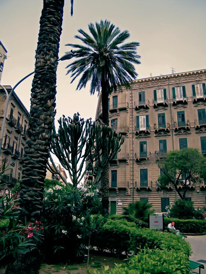Piazza Amendola 1